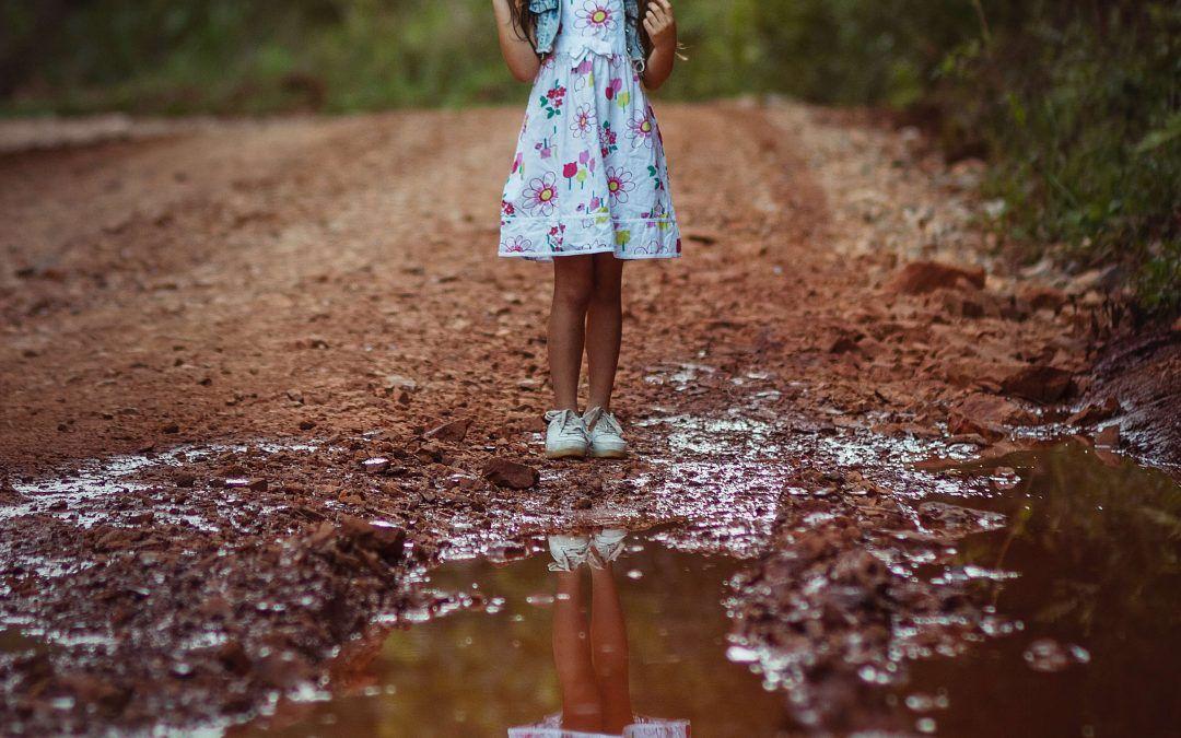¿Te sientes vacía? 4 formas de conectar con tu niña interior